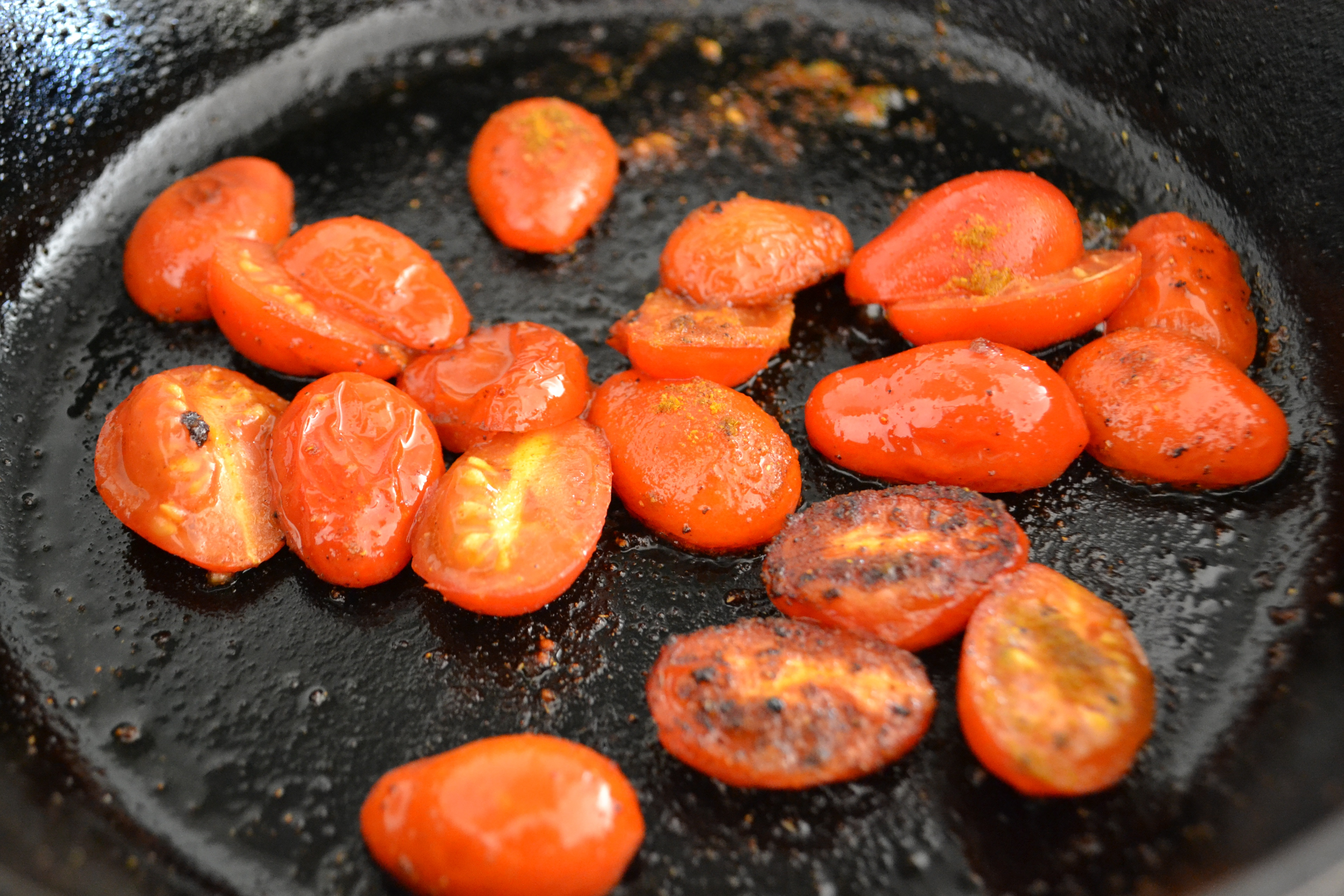 Favorite Paleo Breakfast: Herb Scrambled Eggs and Pan ...