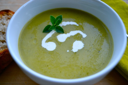 zucchini soup close