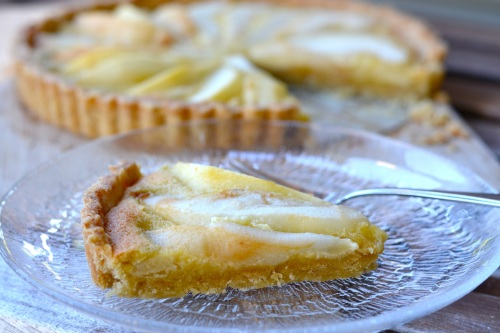 pear tart slice